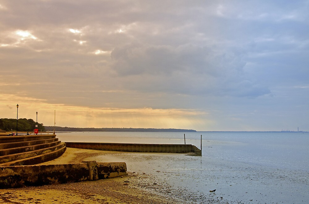 Sunny Interlude on Ryde Esplanade by Rod Johnson