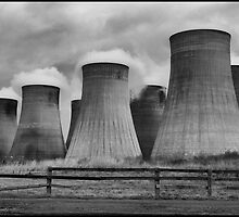 Ratcliffe Power Station Cooling Towers by Ian Midwinter