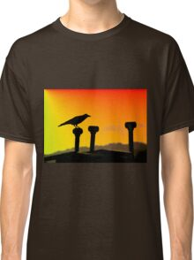 Crow silhouette Classic T-Shirt