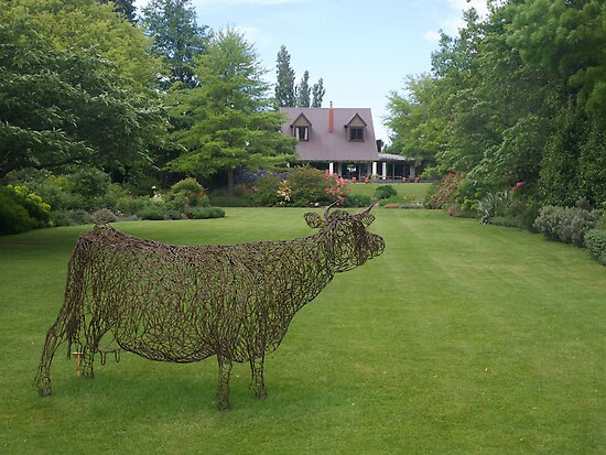 garden sculpture, Flaxmere Garden, New Zealand by johnrf
