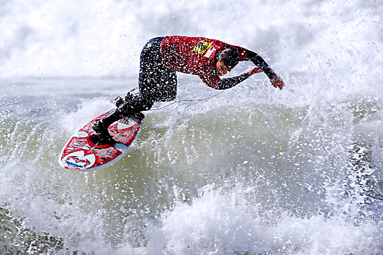 Surfing  by Michael  Moss