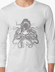 Octopus in a diving helmet Long Sleeve T-Shirt
