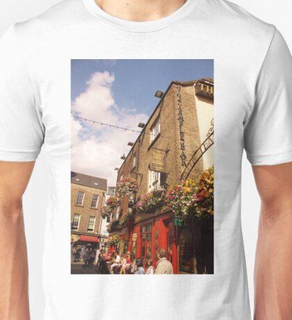 The Temple Bar Pub - Dublin Ireland Unisex T-Shirt