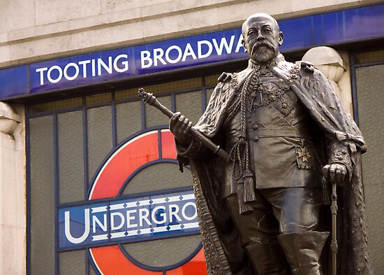 King Edward VII's Statue, Tooting Broadway by Brian Sharland