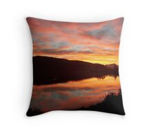 Sonsondergang - Sedgefield, Suid-Afrika Throw Pillow