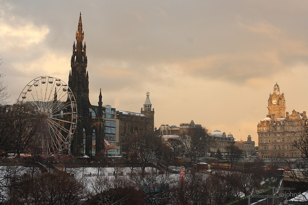 Edinburgh City Centre Winter scene by wjohnd