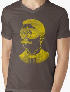 Vintage man in goggles Mens V-Neck T-Shirt