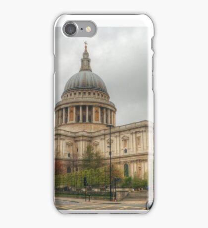 St Pauls Cathedral near dusk iPhone Case/Skin