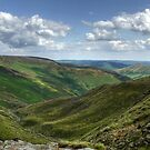 Grindbrook Clough: The Peak District by Steven  Lee