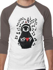 Penguin listen to kpop Men's Baseball ¾ T-Shirt