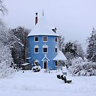 Moominhouse in the winter by Finmiki