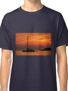 Silhouette of a sailing boat at sunset Classic T-Shirt