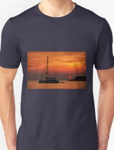 Silhouette of a sailing boat at sunset T-Shirt