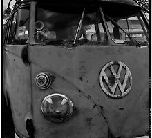 Rusty (VW) Bus by Norman Repacholi