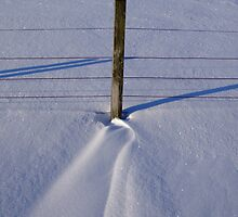Snow drift & fence post by themajesticfool