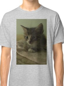 Kitty Portrait Classic T-Shirt