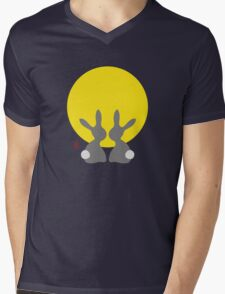 Watching The New Moon Mens V-Neck T-Shirt