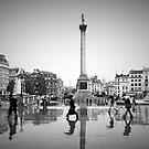 London. Trafalgar Square in the rain. (Alan Copson ©) by Alan Copson
