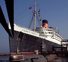 RMS Queen Mary by kuumbalion
