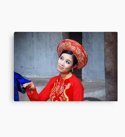 Traditional Vietnamese Bride - Hanoi Canvas Print