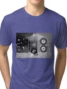 X-ray perception ( black and white Tri-blend T-Shirt