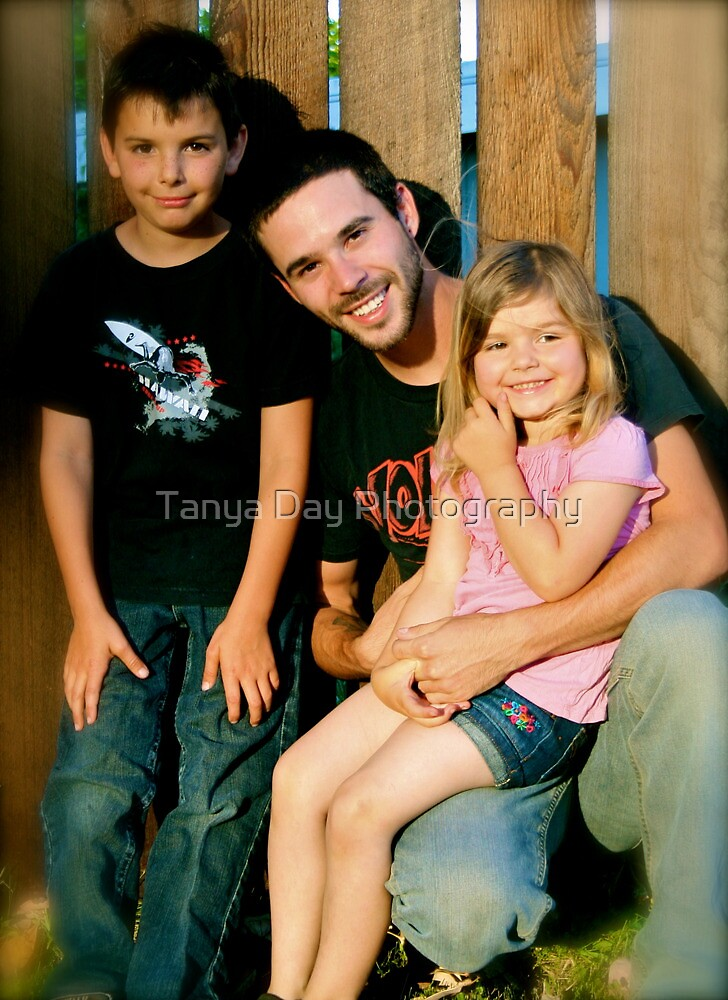 chris and kids  by Tanya Day Photography