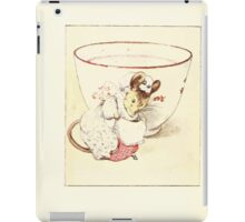 The Tailor of Gloucester Beatrix Potter 1903 0036 Mouse Dressed at Teacup iPad Case/Skin