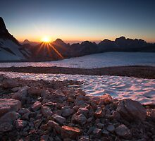 The sun sets over another perfect day in the Alps by toonartist