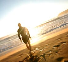 Surfer - Manly Beach Sydney by victoria  tansley