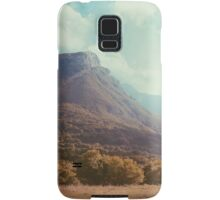 Mountains in the background V Samsung Galaxy Case/Skin