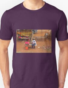 Local woman selling tomatoes on Mombasa Road, KENYA Unisex T-Shirt