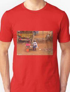 Local woman selling tomatoes on Mombasa Road, KENYA T-Shirt