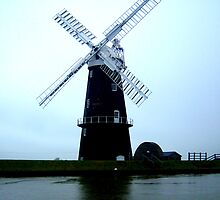 Windmill on the Norfolk Broads by samh0731