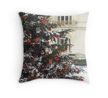 Vienna - Christmas tree Throw Pillow