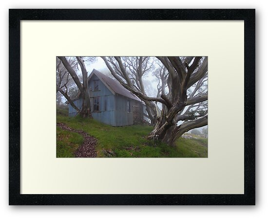 Cope hut Mt Bogong. by Donovan Wilson