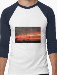 Sunset at the end of Harvest Men's Baseball ¾ T-Shirt