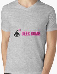 GEEK BOMB [HD] Mens V-Neck T-Shirt