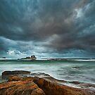Black Rocks - Redgate Beach by Rob Lewis