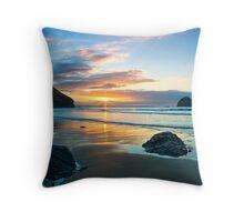 Trebarwith Strand Winter Sunset Throw Pillow