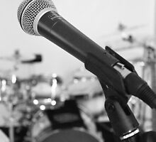 Microphone and Drums B&W by destinysagent