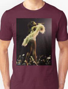Ariana Grande performing! T-Shirt
