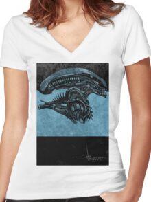 Alien 1979 III Women's Fitted V-Neck T-Shirt