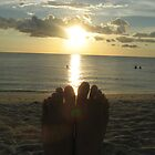 my feet love sunset by ceciperu