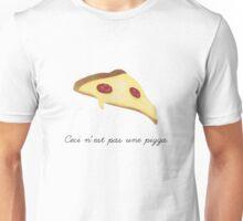 Ceci n'est pas une pizza. Unisex T-Shirt