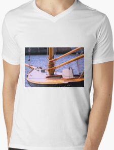 Annie 2 Mens V-Neck T-Shirt