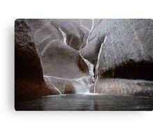 Uluru in the rain Canvas Print