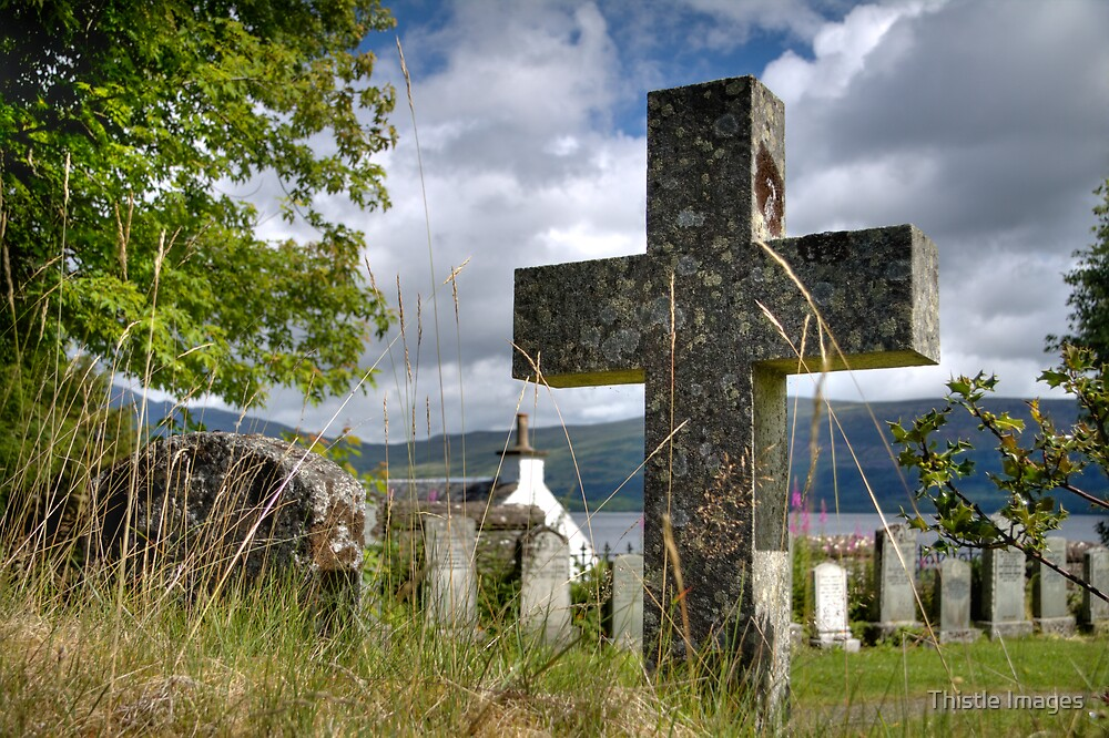 Luss Church Yard Cross by Linda  Morrison