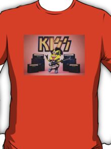 Funny Kiss Minion T-Shirt