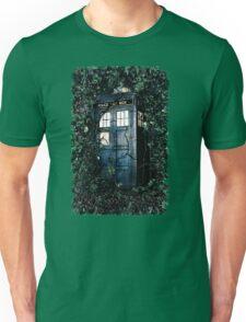 Police Box in The Garden Hoodie / T-shirt Unisex T-Shirt