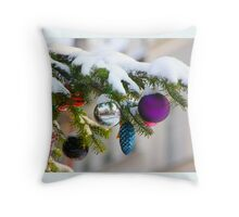 Snow on the Christmastree Throw Pillow